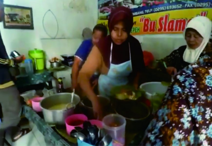 Sate Serepeh Bu Slamet, Ikon Kuliner Kota Rembang yang Lezat