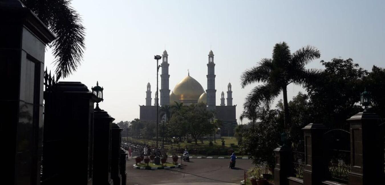Rekreasi Alternatif, Wisata Religi ke Masjid Kubah Emas Depok