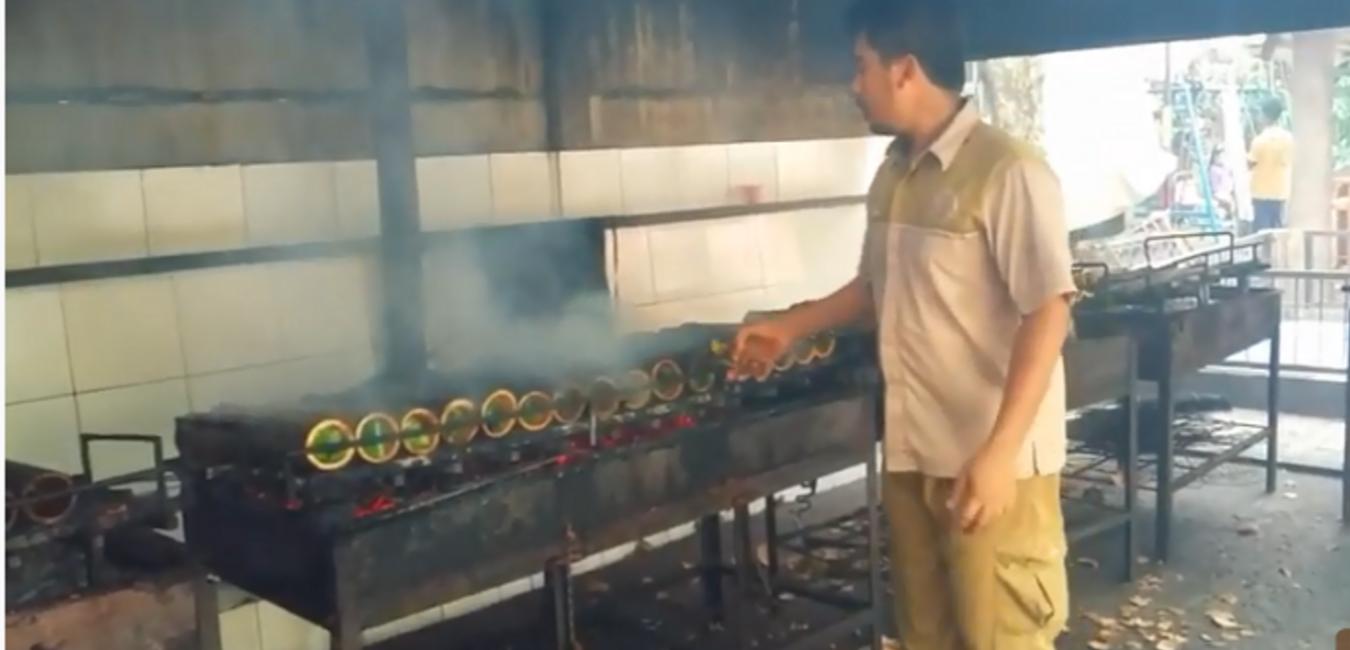 Gurihnya Patin Bakar dalam Bambu di Pondok Ikan Bakar Kalimantan