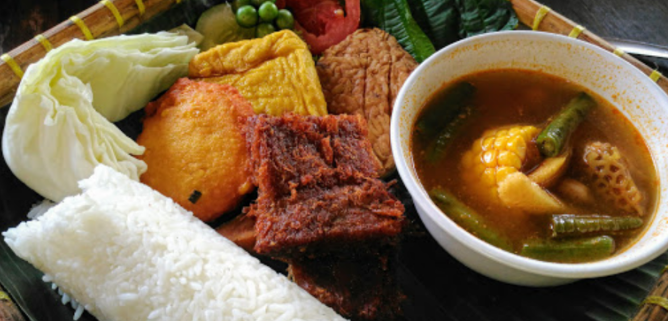 Saung Kuring Bogor, Resto Masakan Sunda yang Enak dan Nyaman