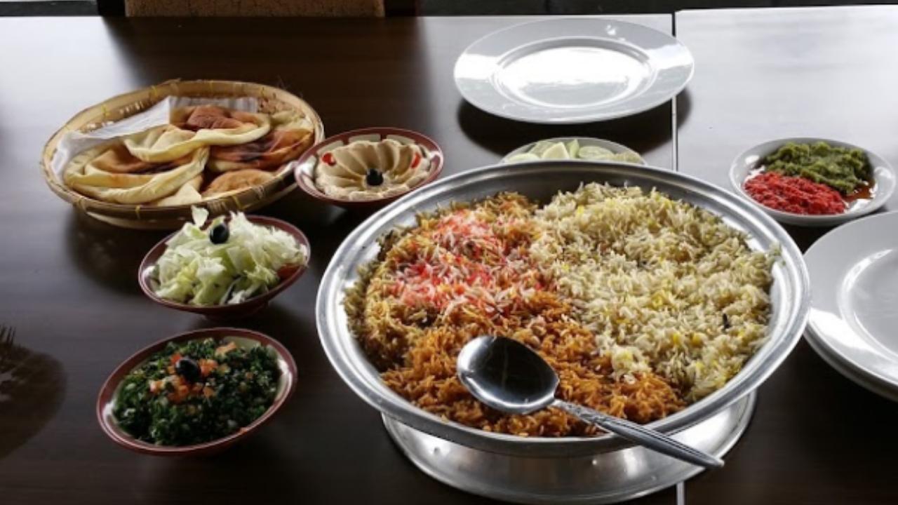 Restoran Royal Al Jazeerah, Lezatnya Sajian Timur Tengah di Puncak
