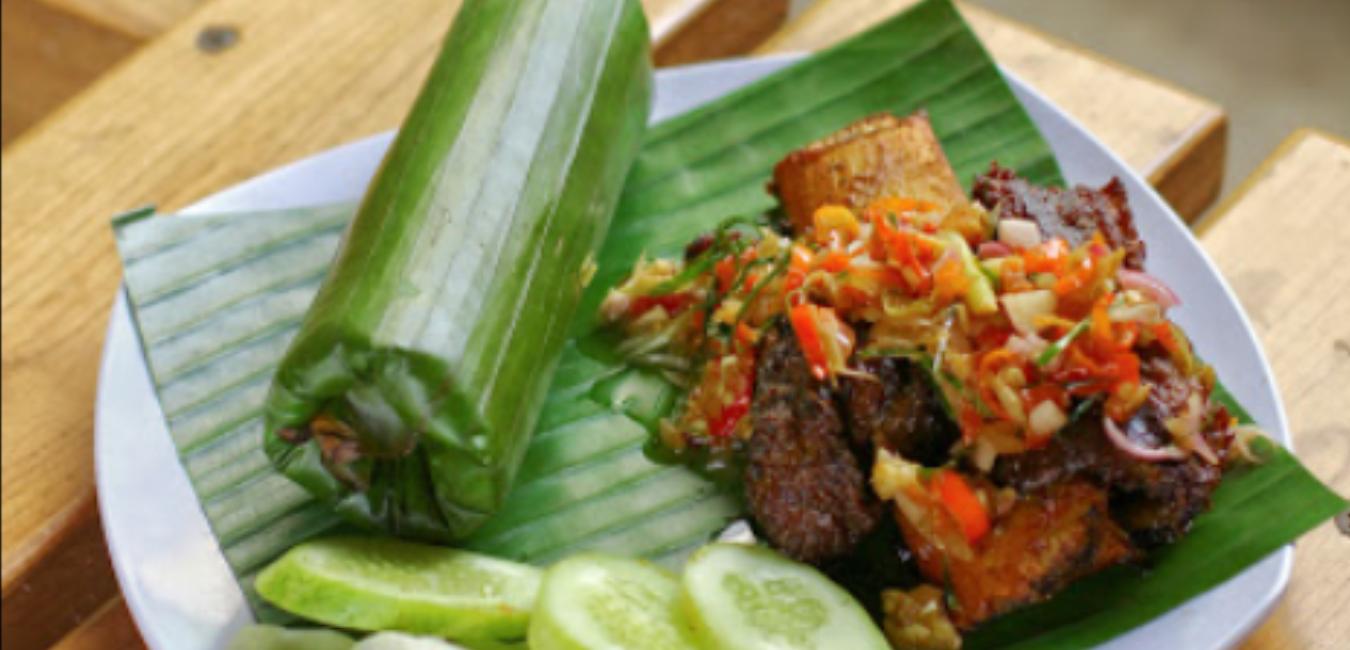 Rekreasi Sekaligus Menyantap Sajian Lezat di Saung Mang Ewok Bogor