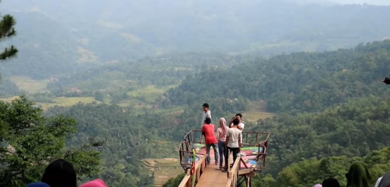 Wisata Panorama Pabangbon Bogor: Surga di Tengah Belantara