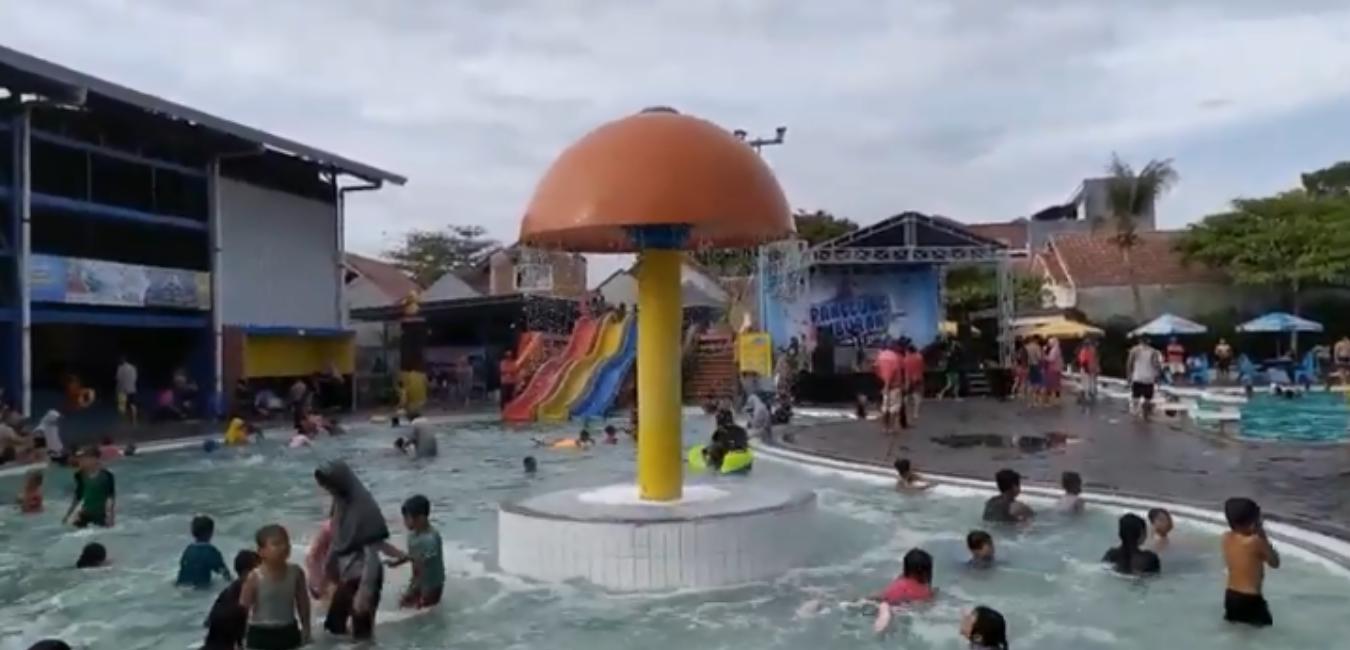 Kolam Renang Taman Harapan Baru, Waterpark Menghibur di Bekasi