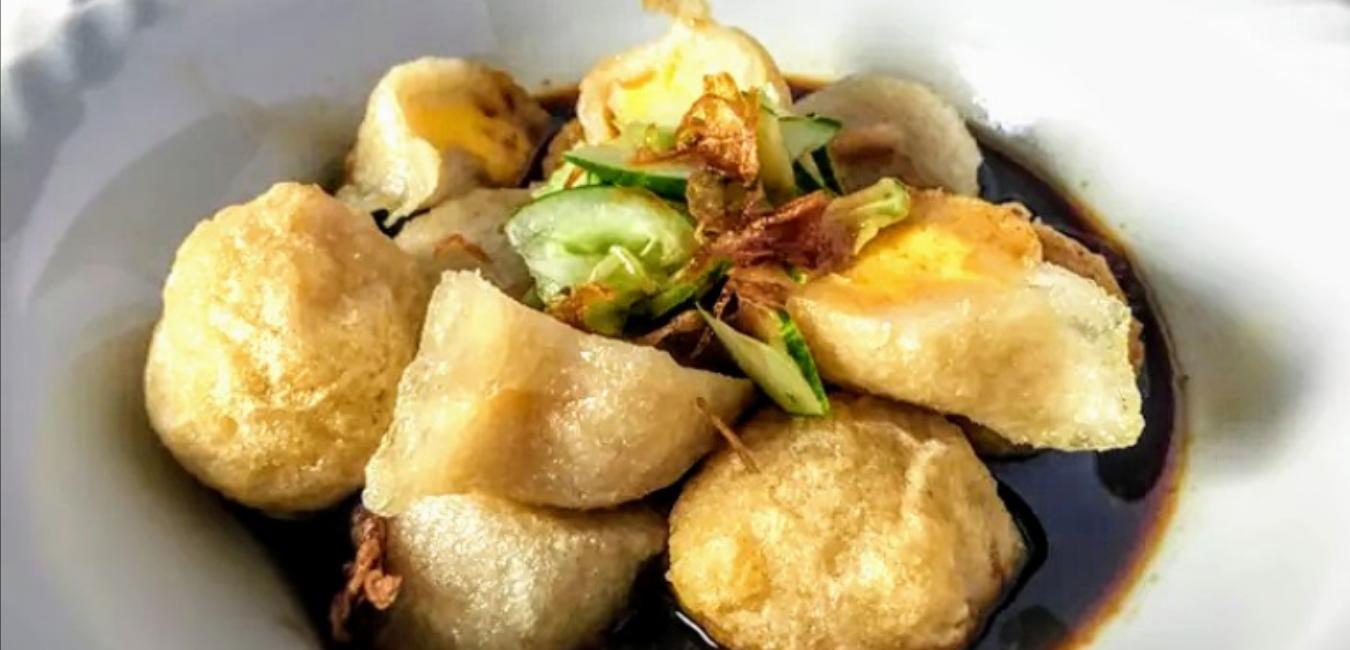 Kuliner Legendaris Pempek Megaria Cikini: Menu, Harga dan Alamat