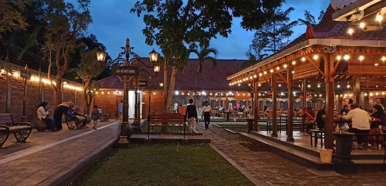 Foto-foto Kampung Kuliner Kroya Cilacap: Harga, Fasilitas dan Lokasi