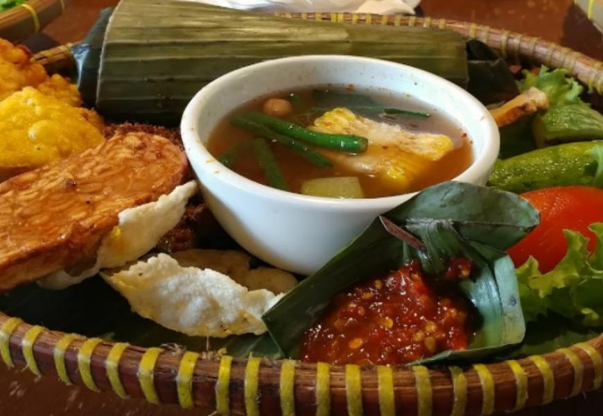 45 Tempat Wisata Kuliner di Bogor yang Murah dan Enak