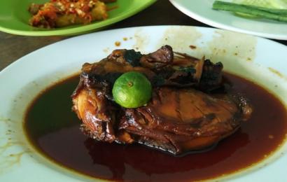 Sedapnya Ayam Bakar Legendaris di Rumah Makan Ayam Bakar Christina