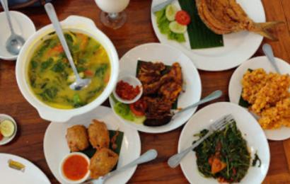 Restoran Tumbar Jinten: Sajian Lezat dengan Suasana Asri Ala Pedesaan
