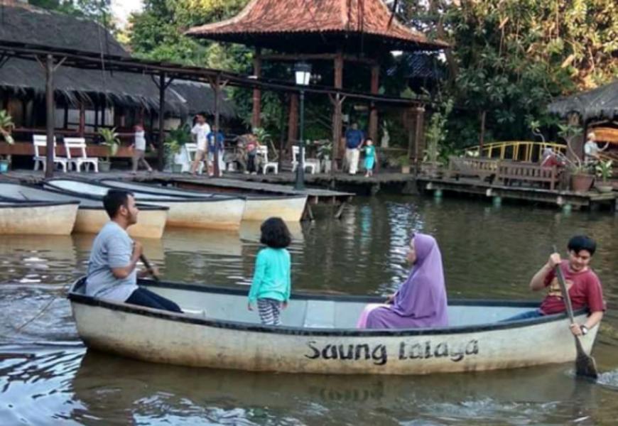 Rumah Makan Saung Talaga Depok: Wisata Kuliner sekaligus Piknik