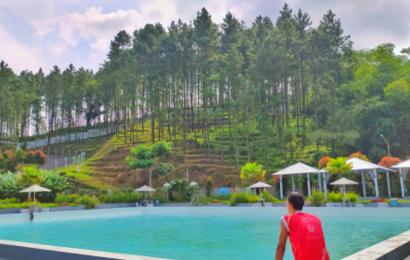 Ben Dina Hills, Nikmati Kesegaran Kolam Renang di Kaki Gunung Selamet